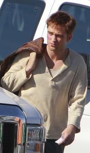2011__01__Robert_Pattinson_Jan19newsnea 177×300.jpg