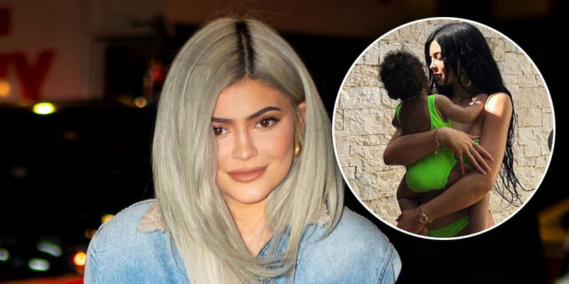 Kylie-Jenner-Stormi-Vacation-PP