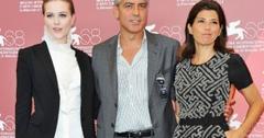 2011__09__George Clooney Skinny Dipping Sept28 300×204.jpg