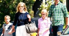 2010__08__Reese_Witherspoon_Aug16_12 300×229.jpg