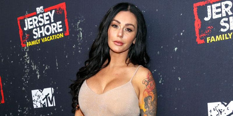Jwoww Poses On Red Carpet Selling Home
