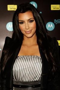 2010__04__Kim_Kardashian_April23newsne 200×300.jpg