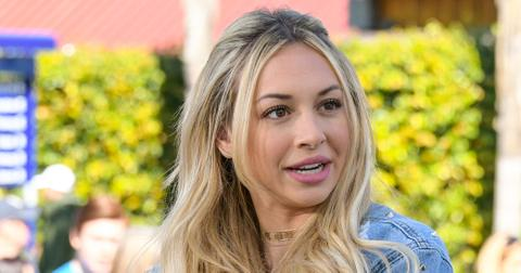 """Corinne Olympios Visits """"Extra"""""""