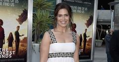 Mandy moore told fiance not to buy her engagement ring main