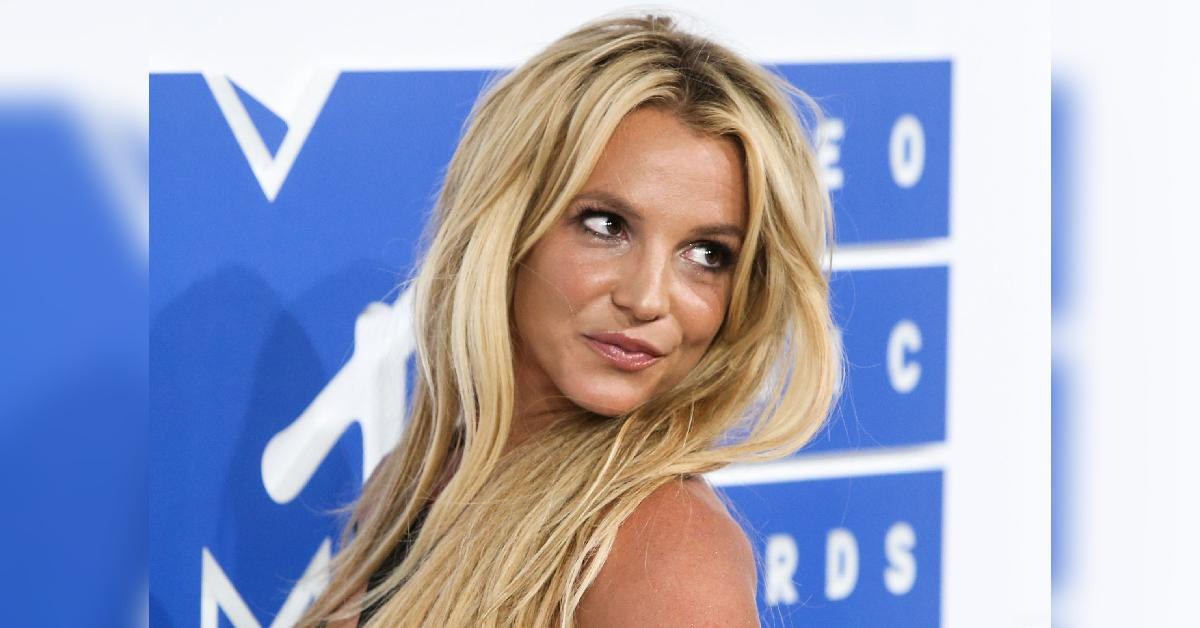 britney spears posts bizarre snap slams doctors commenting on her body