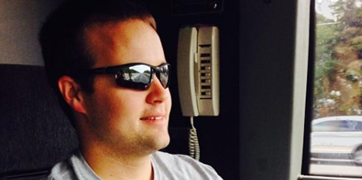 Josh duggar testify ashley madison lawsuit child molestation hero