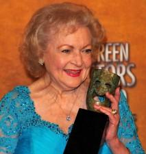 2010__03__Betty_White_SNL_March11news1 213×225.jpg