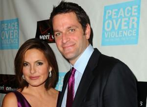 2011__04__Mariska_Hargitay_Peter_Hermann_Adopt_April7newsnea 300×218.jpg