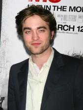2010__03__Robert_Pattinson_March12newsne 169×225.jpg
