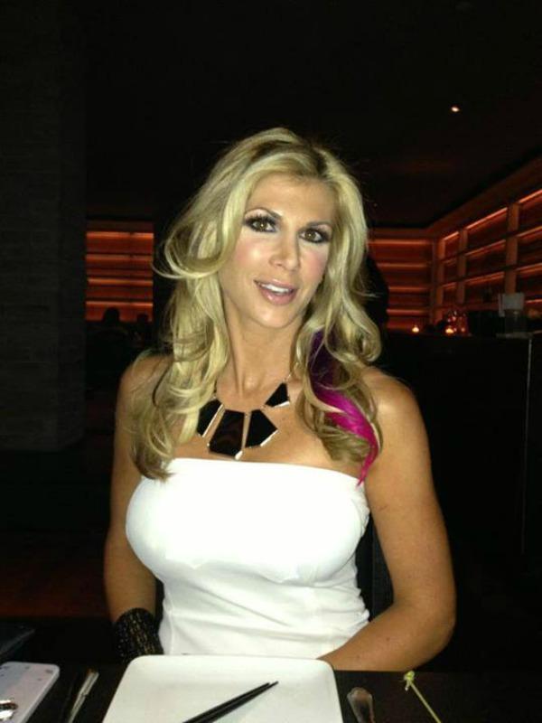 Alexis bellino pink hair