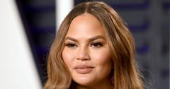 Chrissy Teigen Apologizes Mom Joke