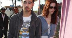 2011__03__Ashley_Joe_Jonas_march17z 300×228.jpg