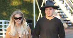 Ashlee Simpson and Evan Ross share a kiss after a meal at Mauro's
