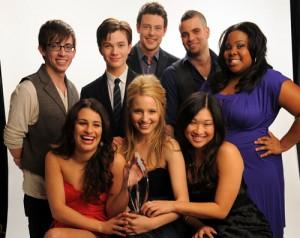 2010__08__Glee_Cast_Aug30newsnea 300×238.jpg