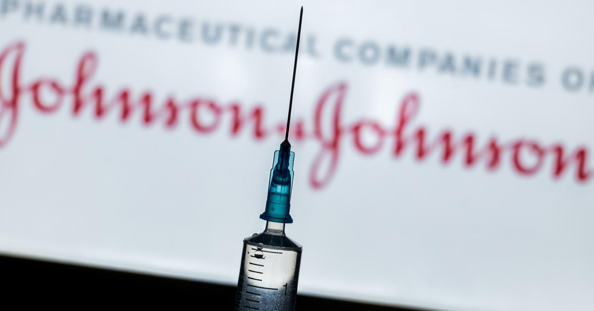 blood clot concerns cdc and fda recommends halting use of johnson and johnson covid vaccine