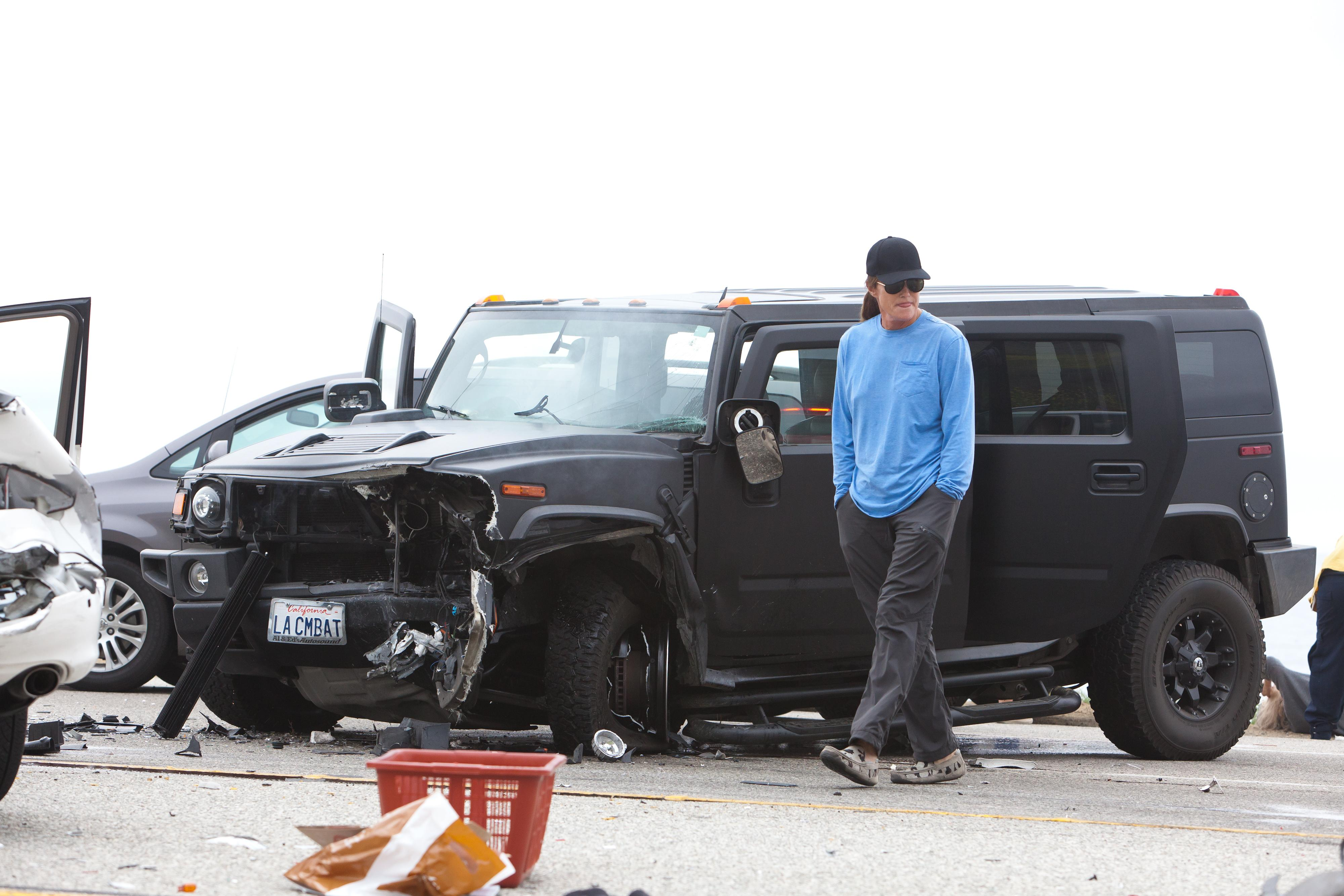 EXCLUSIVE TO INF. **PREMIUM RATES APPLY** Bruce Jenner In a Car Accident – Moment of Impact