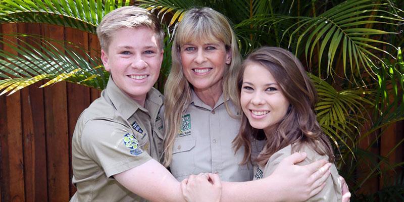 steve irwin day australia zoo terri bindi robert pics long