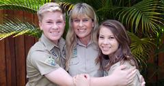 steve irwin day australia zoo terri bindi robert pics long