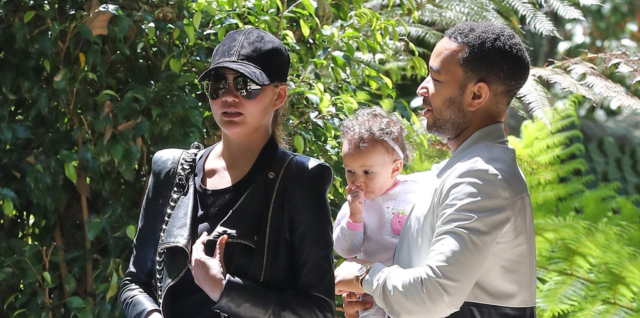 Chrissy Teigen and John Legend grab lunch at the Bel Air Hotel