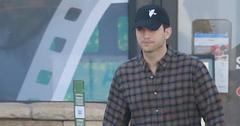 Ashton kutcher mila kunis daughter wyatt photos