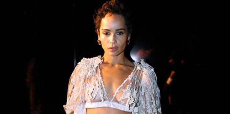 Zoe kravitz wears bra paris fashion week pics