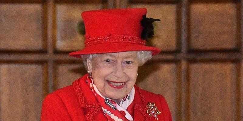 Queen Elizabeth Wearing All Red