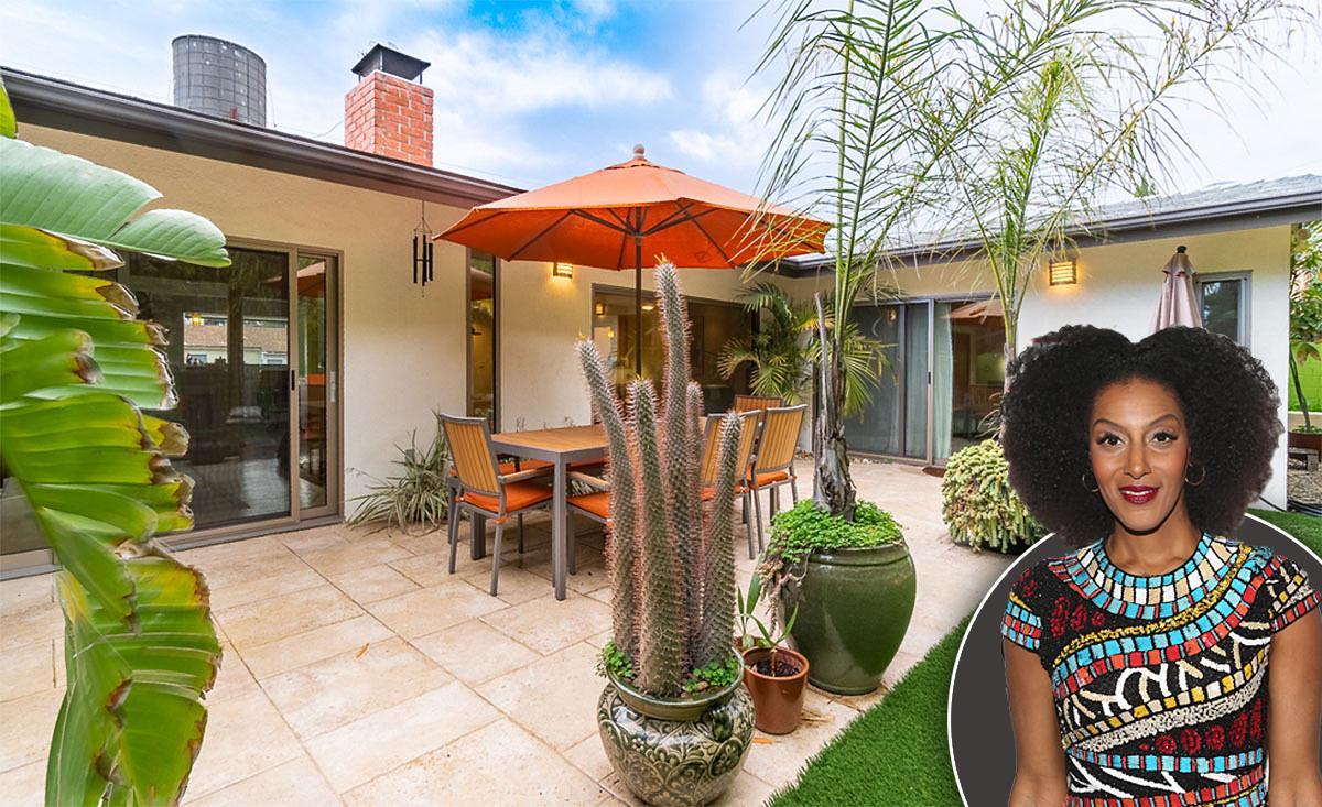 sarah jones buys beachwood canyon home