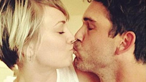 Kaley Cuoco Ryan Divorce rumors kissing picture instagram