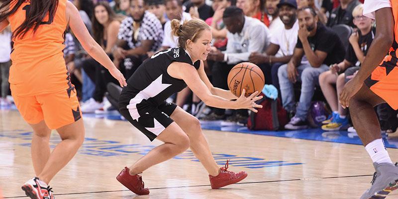 Kendra wilkinson heartbreak celebrity basketball game main