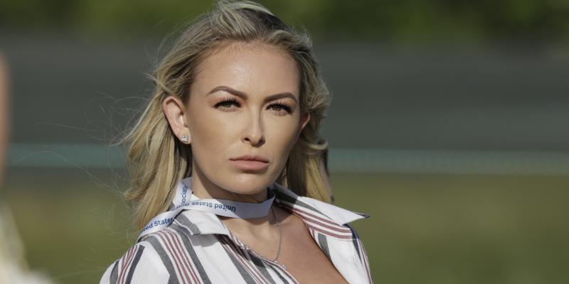 paulina-gretzky-flaunts-physique-amid-hawaii-vacation-dustin-johnson
