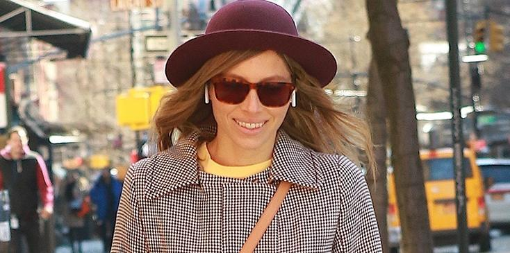 Jessica biel chic peacoat new york city pics
