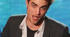 2011__09__Robert Pattinson Sept20newsbt 300×289.jpg