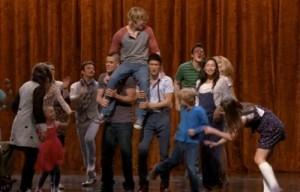 2011__05__Glee_Rumours_May4newsnea 300×192.jpg