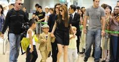 2010__07__Angelina_Jolie_July26_8401 300×223.jpg