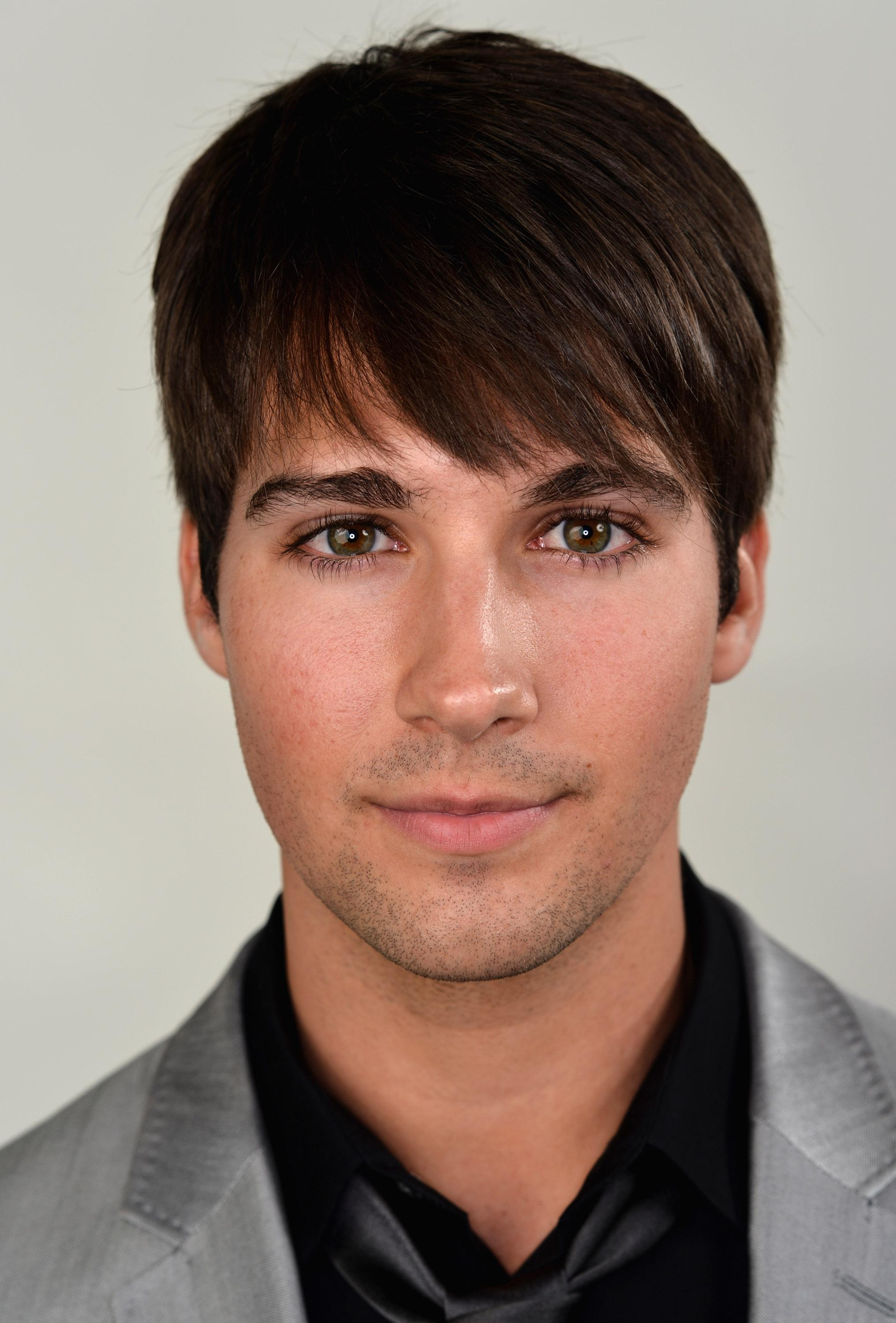 James Maslow Talks Bachelor Pads, Body Building and His