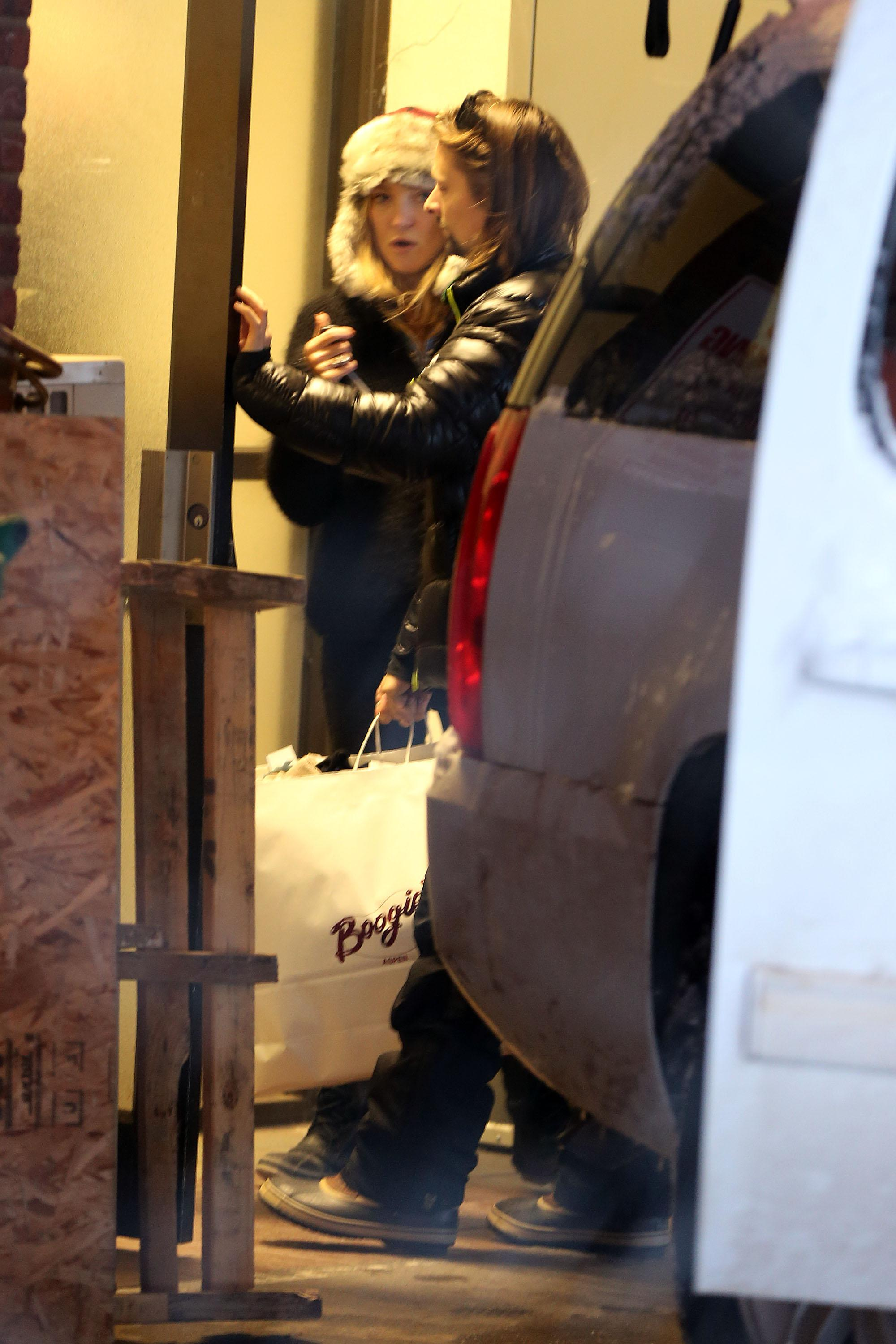 Kate Hudson and Matthew Bellamy spotted doing some last minute Christmas shopping in Aspen, Colorado
