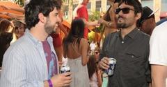 2011__04__Jordan Bratman having a laugh at the Tao Beach Season Opening 300×265.jpg