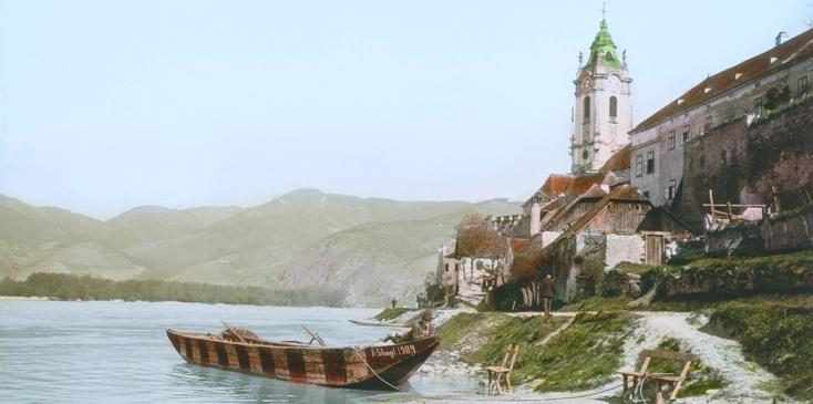 D?rnstein. Lower Austria: View Of The Danube And The Church. Around 1910. Handcolored Lantern Slide.