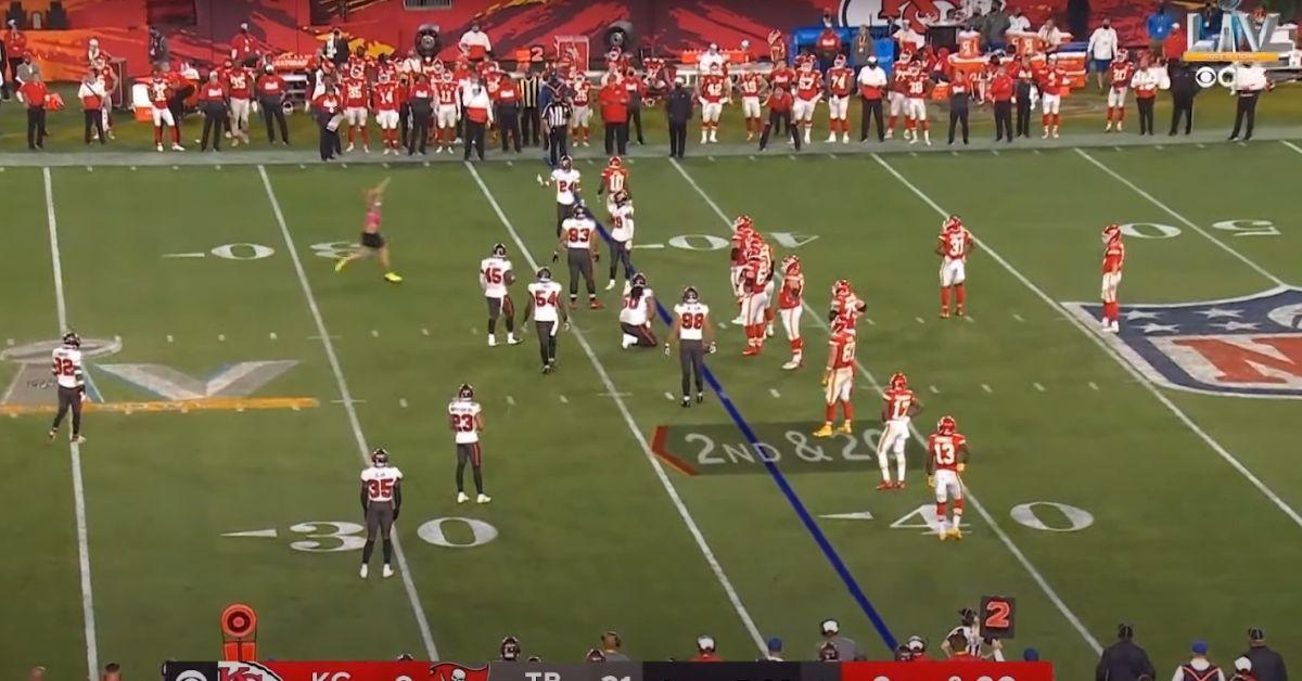 super bowl lv fan runs onto field attempts streak clip reactions