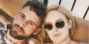 Nick viall dating rumer willis hero