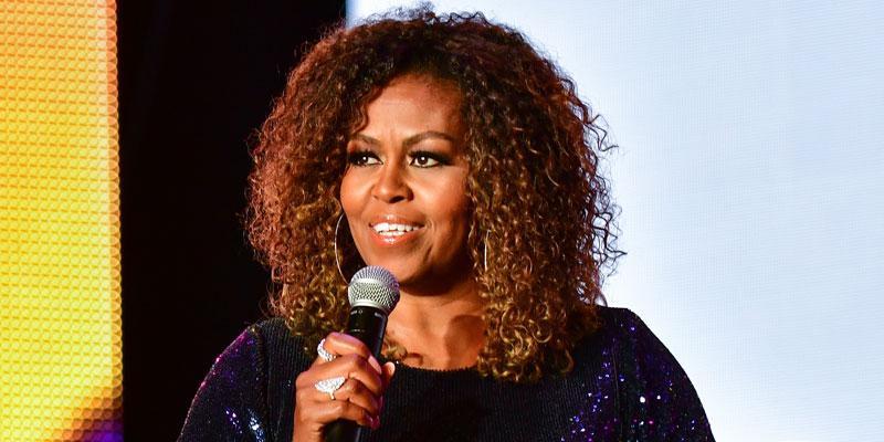 Michelle-Obama-Sasha-Malia-First-Kiss-PP