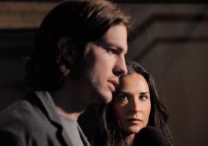 2011__10__Ashton Kutcher Demi Moore Oct7newsbt 300×210.jpg