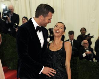 Tom brady gisele bundchen pregnant may22 m.jpg