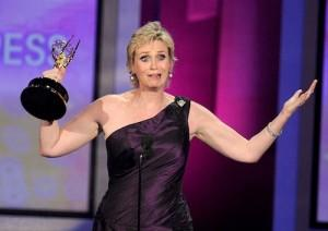 2010__08__Jane_Lynch_Emmys_Aug29_00 300×212.jpg
