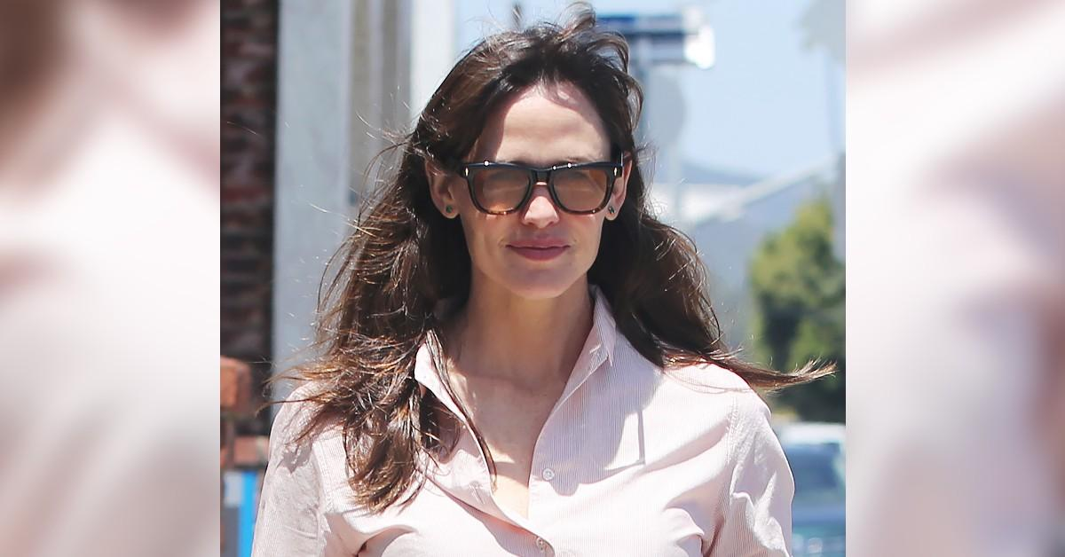 jennifer garner spotted in los angeles looking as happy as ever celebrity hollywood