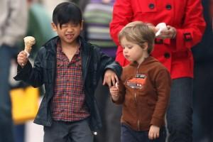 2010__04__Pax_Shiloh_Jolie_Pitt_April19_main 300×200.jpg