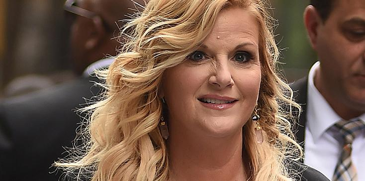 Trisha yearwood new album lets be frank sintra covers