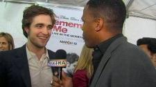2010__03__Robert_Pattinson_March2newsnea 225×171.jpg