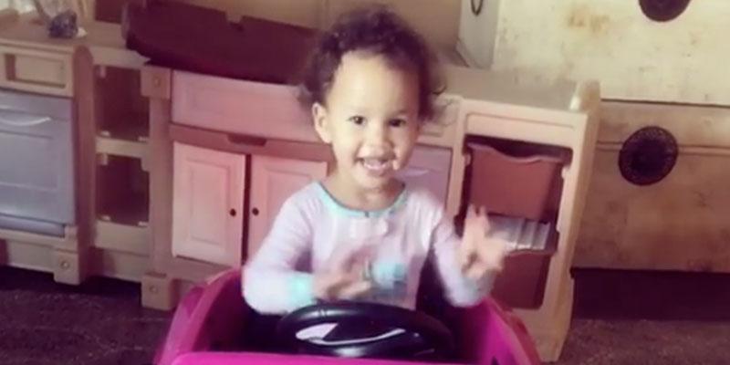 chrissy teigen daughter luna legend dance moves video pp