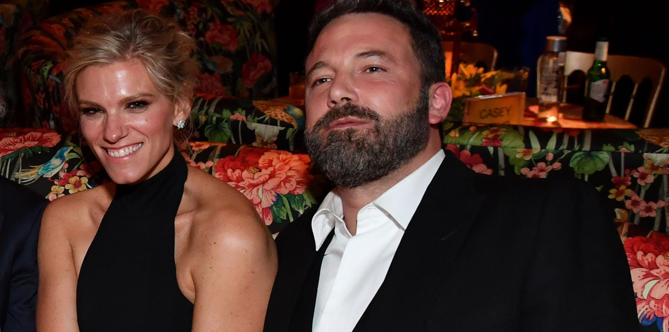 Lindsay shookus ben affleck emmys couple wide